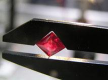 亜酸化銅(赤銅鉱)